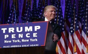 Donald Trump livre son discours de victoire à l'élection présidentielle américaine, le 9 novembre 2016.