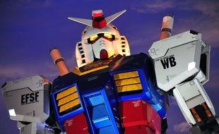 Le Gundam grandeur nature inauguré à Tokyo pour les 30 ans de la série en 2009