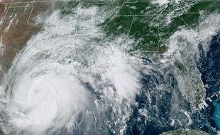 Image satellite de l'ouragan Hanna prise par le National Oceanic and Atmospheric Administration (NOAA) le 25 juin 2020 dans le Golfe du Mexique.