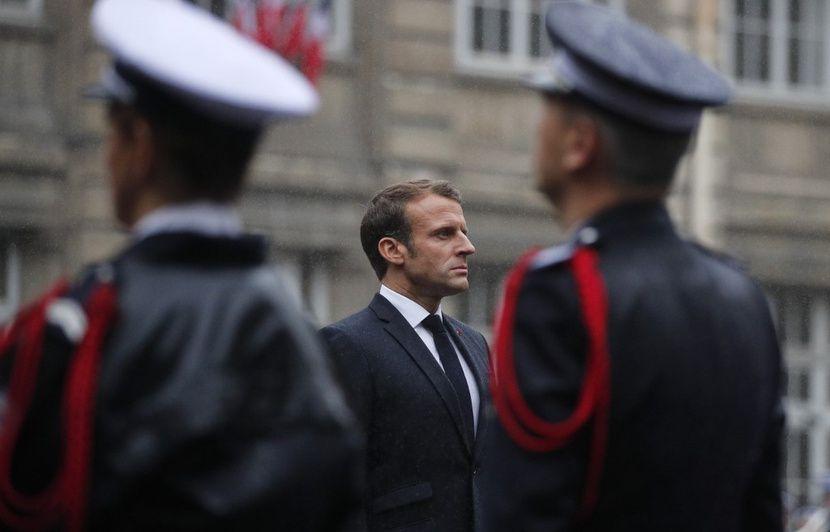 PODCAST. « Minute Papillon ! » : Macron appelle à la mobilisation face à « l'hydre islamiste », et les 82 lunes de Saturne