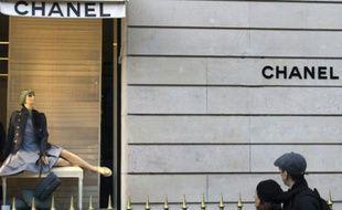 Une devanture de la boutique Chanel à Paris