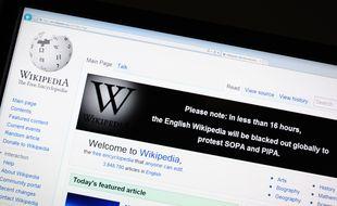 Une intelligence artificielle corrige les erreurs sur Wikipédia