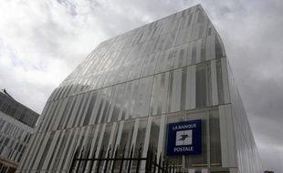 Vue extérieure en date du 8 septembre 2011 du siège de la Banque postale à Paris