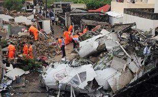 Les débris de l'avion de TransAsia Airways qui s'est écrasé le 23 juillet 2014 près de l'aéroport de Magong, sur une île de l'archipel de Penghu, faisant 48 victimes, dont 2 jeunes françaises