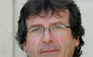 """Un député PS a écrit à Bernard Accoyer (UMP) pour lui demander s'il pouvait participer à la consultation que celui-ci organise mardi prochain à l'Assemblée prochain sur un nouveau vote à l'UMP, estimant que """"l'affaire a pris une dimension nationale""""."""