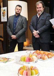 Pierre Hermé (à dr.) et Vincent Guerlais, le président de l'association Relais Desserts