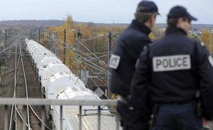 Le convoi de déchets nucléaires, parti mardi après-midi de la centrale de Borssele (Pays-Bas), est reparti tôt mercredi matin de la métropole lilloise où il avait passé la nuit après être entré en France en fin de soirée, selon une militante anti-nucléaire.