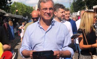 Thierry Mariani en campagne à Aix-en-Provence