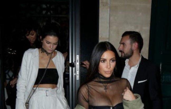 Kim Kardashian lors de la Fashin Week deux jours avant de se faire braquer dans un hôtel particulier parisien