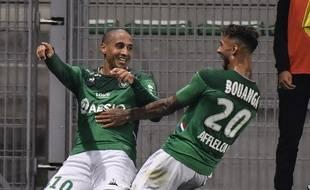 Ici aux côtés de Denis Bouanga, Wahbi Khazri est enfin redevenu buteur dimanche contre Amiens (2-2). PHILIPPE DESMAZES