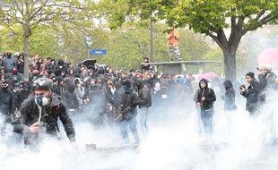 La manifestation contre la Loi Travail dégénère à Paris le 9 avril 2016