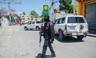 Un policier haïtien, à Port-au-Prince le 6 juillet 2020.