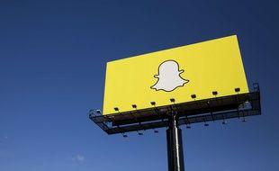Le logo de Snapchat sur un panneau d'affichage, dans le Minnesota, octobre 2015.