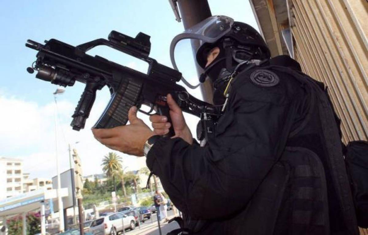 """Une """"cellule"""" islamiste radicale a été démantelée samedi et l'un de ses membres, un Français de 33 ans, a été tué à Strasbourg après avoir ouvert le feu sur des policiers venus l'interpeller, le soupçonnant d'une attaque contre un commerce juif en septembre. – Jean Christophe Magnenet afp.com"""