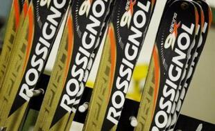 L'annonce d'une possible cession par Quiksilver de ses marques de matériel sportif, dont Rossignol, Dynastar ou Look, une semaine après celle de l'arrêt programmé de la production des skis Salomon dans les Alpes, hypothèque l'avenir de cette industrie en France.