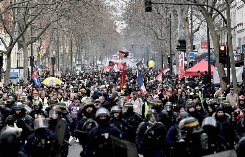 Manifestation Du 11 Janvier Le Retrait De L Age Pivot Ne Changera Rien A Notre Determination