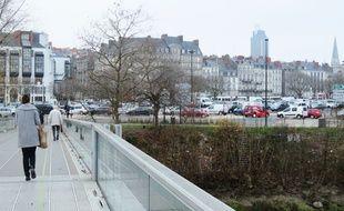 L'esplanade Gloriette-Petite-Hollande et ses abords doivent être requalifié.