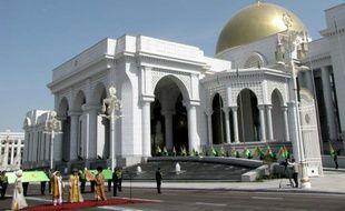 Cérémonie d'inauguration du nouveau complexe palais présidentiel, le 18 mai 2011 à Ashgabat, au Turkménistan