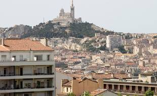 Marseille le 28 juin 2012 - Vue de la ville avec notre dame de la garde en arrière plan