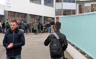 Le lycée Saint-Joseph de Concarneau, où trois élèves ont été blessés dans l'attentat qui a frappé Londres le 22 mars 2017.