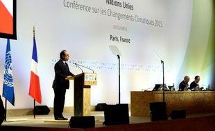 Le président François Hollande lors de la conférence sur le climat au Bourget près de Paris, le 9 décembre 2015