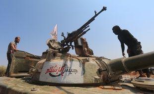 Des combattants du groupe Jaich al-Islam, en août 2015, non loin d'Alep. (archives)