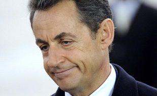 Nicolas Sarkozy commémore l'armistice de la guerre de 1914-1918, le 11 novembre 2011, au pied de l'Arc de Triomphe.