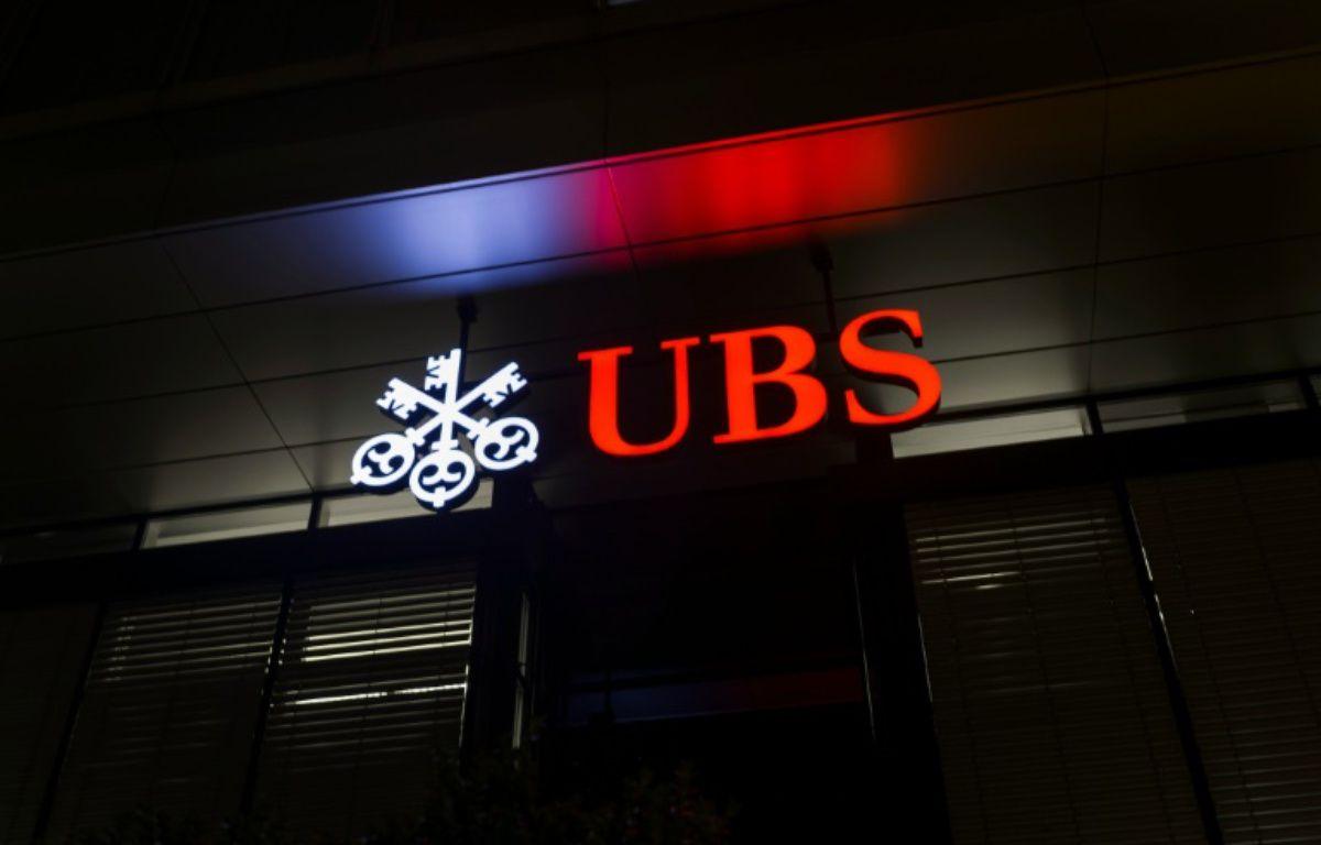Le logo de la banque suisse UBS – FABRICE COFFRINI AFP