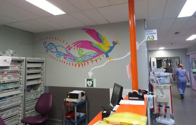 A Necker, APHP, à Paris, le service de réanimation pédiatrique a vu le gris remplacé par des belles fresques colorées.