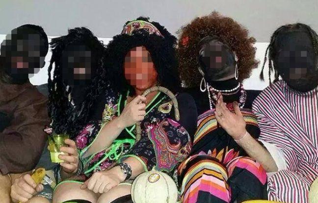 Les photos de cette soirée privée se sont retrouvées sur Facebook.