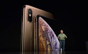 Le directeur marketing d'Apple, Phil Schiller, présente l'iPhone Xs, le 12 septembre 2018.