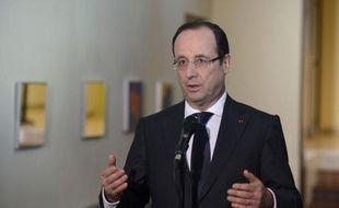 """Le président François Hollande envisage de légiférer """"par ordonnances"""" afin de réformer plus vite, ont indiqué mercredi la porte-parole du gouvernement, Najat Vallaud-Belkacem et le président des sénateurs PS, François Rebsamen."""