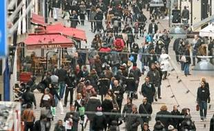 Photo d'illustration d'une foule.