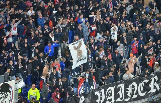 Le virage nord a sorti durant une grande partie du match contre le Benfica un drapeau avec un âne dessiné et le texte «Marcelo dégage ».