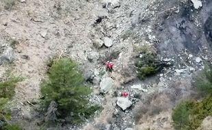 Les secours sur le site du crash, le 24 mars 2015.