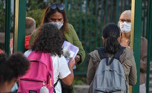 Des collégiens à Charenton-le-Pont, en banlieue parisienne.