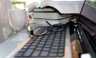 Suivant les besoins et les projets de leurs professeurs, les élèves du projet régional pourront venir en classe avec un ordinateur, une tablette, ou leurs smartphones et ce à des fins pédagogiques.