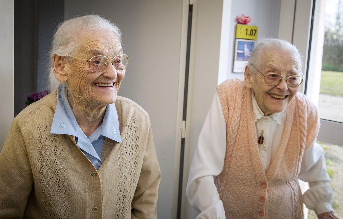 Agées de 104 ans, Paulette et Simone pourraient bien être les jumelles les plus âgées au monde. – G.SOUVANT / AFP