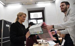 Législatives en italie les bureaux de vote ont ouvert pour un