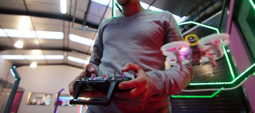 Mehdi Boussaïd a créé le bar à drones Le LipoLoop à Rennes.