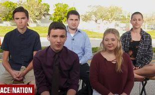 David Hogg (tout à gauche), Emma Gonzales à droite) et trois élèves rescapés de la tuerie du lycée Marjory Stoneman Douglas, sur CBS, le 18 février 2018.