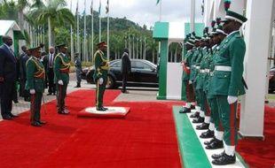 Le président du Nigeria Goodluck Jonathan a voulu délivrer lundi un message d'espoir et de confiance à l'occasion du 52e anniversaire de l'indépendance du pays, rappelant le potentiel du premier producteur africain de pétrole et promettant de combattre la corruption, la pauvreté, et les violences inter-religieuses.