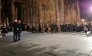 Emmanuel Macron et sa compagne Brigitte devant la cathédrale de Strasbourg.