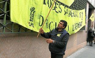 Le bailleur social Habitat Toulouse  a été visé par l'action des militants.