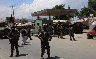 Des militaires patrouillent à Kaboul après une attaque contre une maternité le 12 mai 2020.