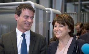 Manuel Valls (g) et Martine Aubry lors de la visite du site EuraTechnologies dédié aux technologies de l'information et de la communication à Lille, le 18 mars 2015