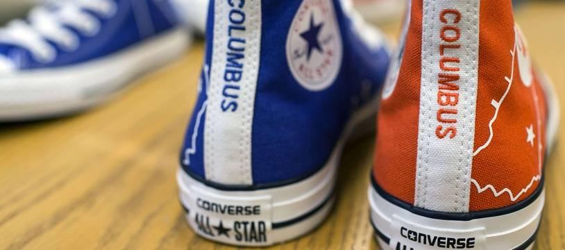 10813a38eeabb Illustration de chaussures de la marque Converse.