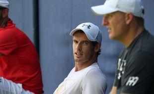 Andy Murray lors de sa préparation pour le tournoi du Queen's, le 18 juin 2017.