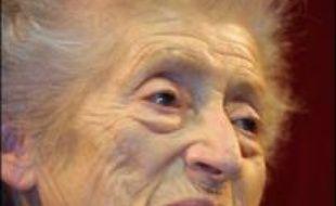 Lucie Aubrac, l'une des dernières grandes figures de la Résistance, est décédée mercredi soir à l'Hôpital suisse de Paris, à Issy-les-Moulineaux (Hauts-de-Seine), à l'âge de 94 ans, a indiqué à l'AFP son mari, Raymond Aubrac.
