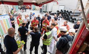 Un échafaudage s'est effondré ce mardi matin dans le 13e arrondissement de Paris, faisant au moins une victime et plusieurs blessés parmi les ouvriers du chantier.
